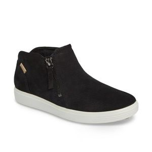 NEW in the box Ecco soft 7 sneaker booties!!